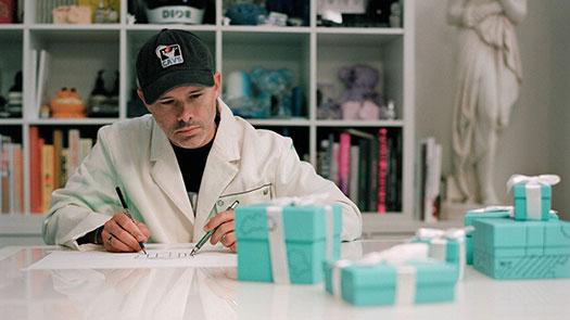 敦化館1F Tiffany攜手藝術家Daniel Arsham改造標誌性夢幻藍盒 限量雕塑作品於全球發布